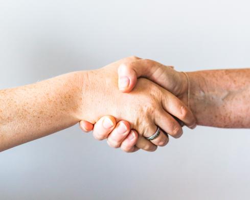 Online-Marketing Handshake